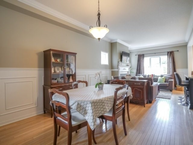 Semi-detached at 1811 Stevington Cres, Mississauga, Ontario. Image 18