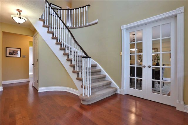 Detached at 260 O'donoghue Ave, Oakville, Ontario. Image 12