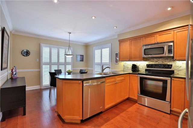 Detached at 260 O'donoghue Ave, Oakville, Ontario. Image 17