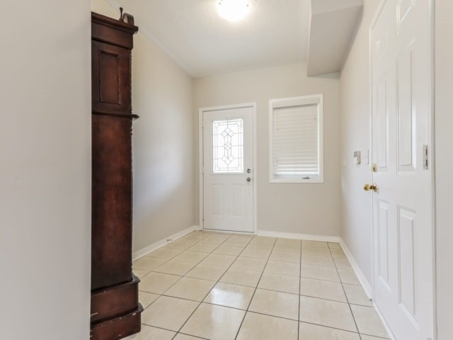 Semi-detached at 3364 Southwick St, Mississauga, Ontario. Image 14
