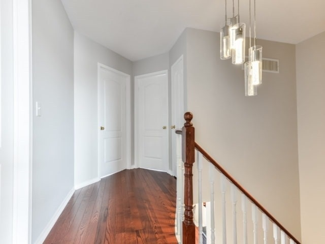 Semi-detached at 3364 Southwick St, Mississauga, Ontario. Image 3