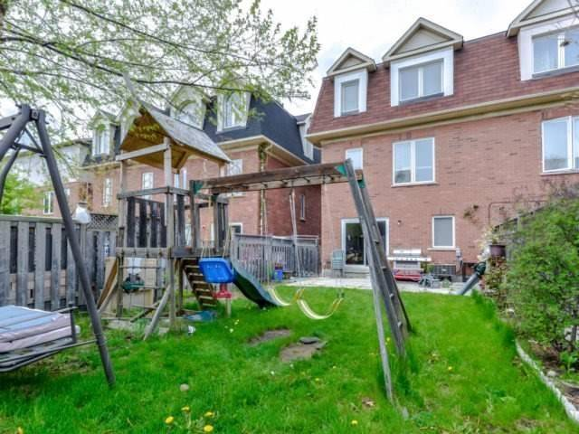 Semi-detached at 3364 Southwick St, Mississauga, Ontario. Image 13