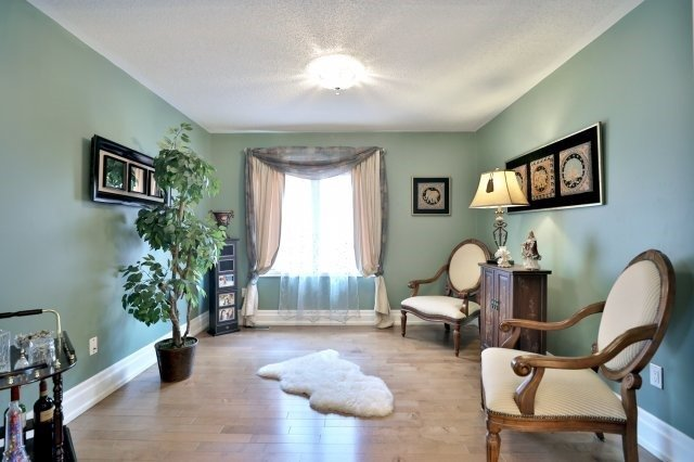 Detached at 2056 Ashmore Dr, Oakville, Ontario. Image 20