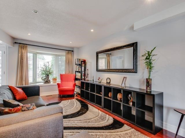 Detached at 278 Ceremonial Dr, Mississauga, Ontario. Image 16