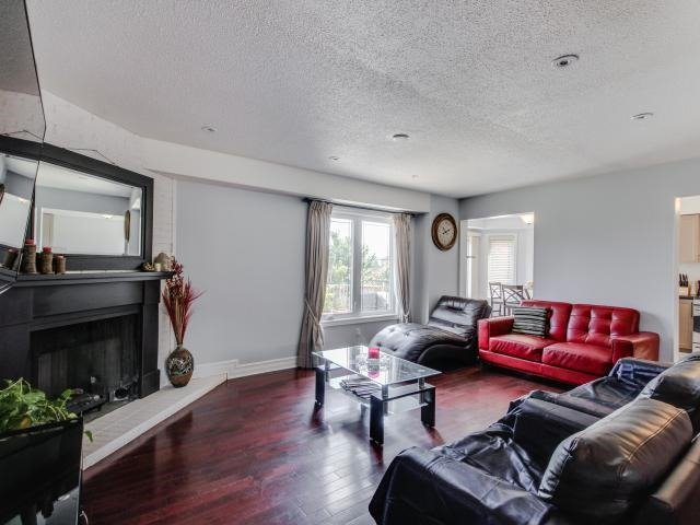 Detached at 278 Ceremonial Dr, Mississauga, Ontario. Image 18
