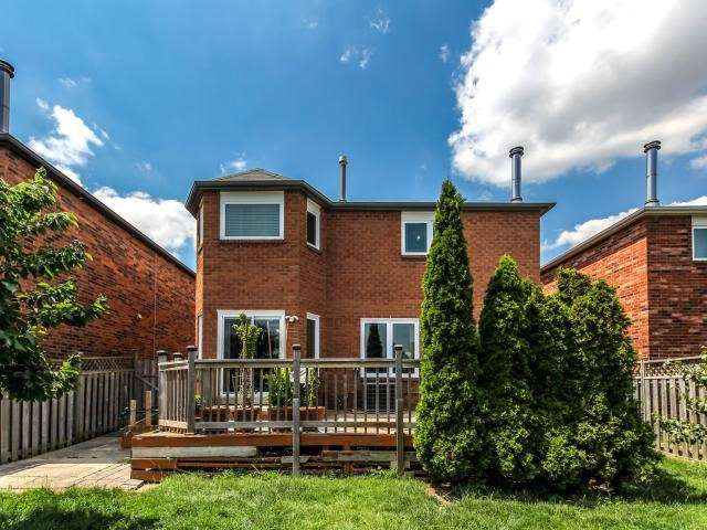 Detached at 278 Ceremonial Dr, Mississauga, Ontario. Image 10