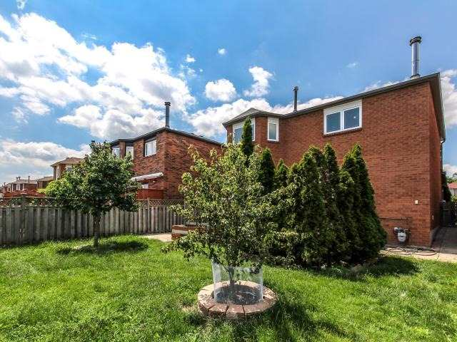 Detached at 278 Ceremonial Dr, Mississauga, Ontario. Image 11
