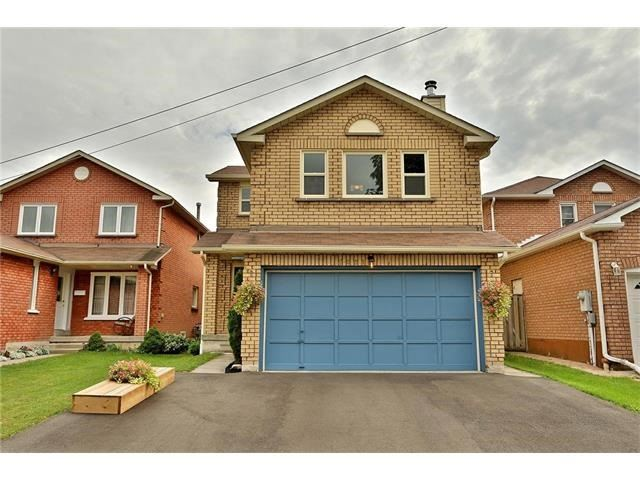 Detached at 3531 Chartrand Cres, Mississauga, Ontario. Image 12