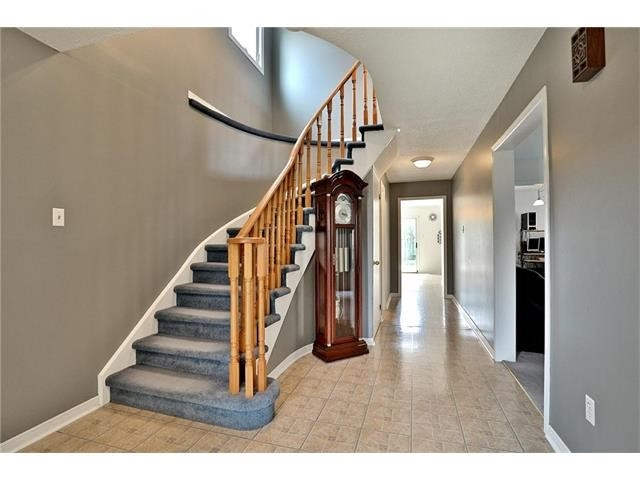 Detached at 3531 Chartrand Cres, Mississauga, Ontario. Image 15