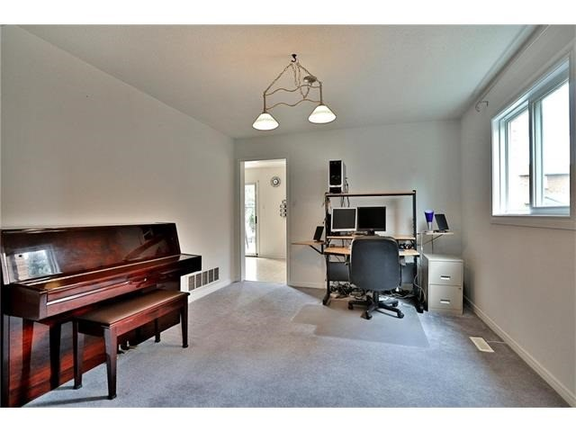 Detached at 3531 Chartrand Cres, Mississauga, Ontario. Image 17