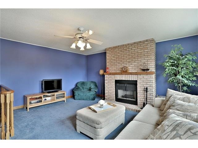 Detached at 3531 Chartrand Cres, Mississauga, Ontario. Image 2