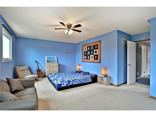 Detached at 3531 Chartrand Cres, Mississauga, Ontario. Image 5