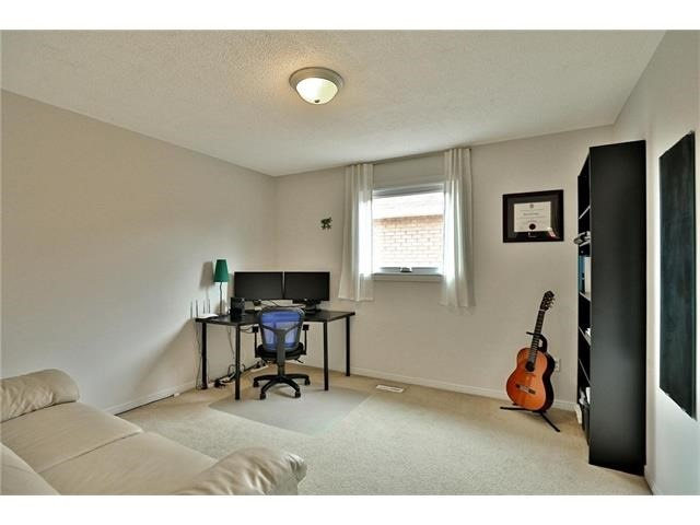 Detached at 3531 Chartrand Cres, Mississauga, Ontario. Image 8