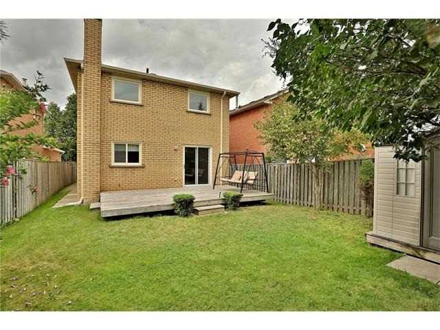 Detached at 3531 Chartrand Cres, Mississauga, Ontario. Image 13