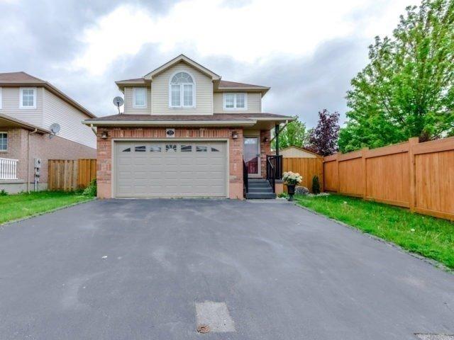 Detached at 215 Churchill Rd S, Halton Hills, Ontario. Image 1