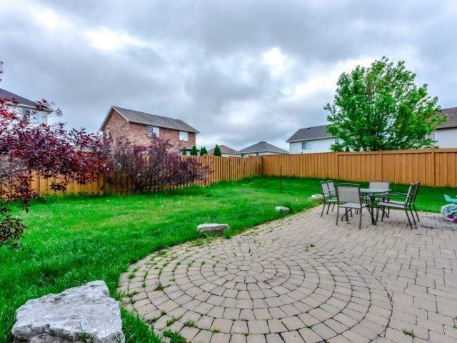 Detached at 215 Churchill Rd S, Halton Hills, Ontario. Image 11