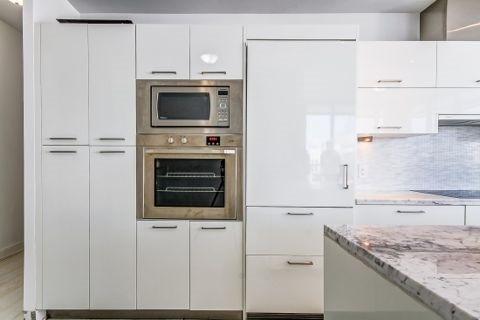 Condo Apartment at 90 Park Lawn Rd, Unit 208, Toronto, Ontario. Image 15