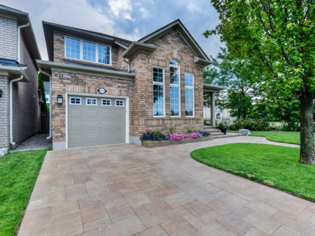 Detached at 2523 Nettlecreek Cres, Oakville, Ontario. Image 12