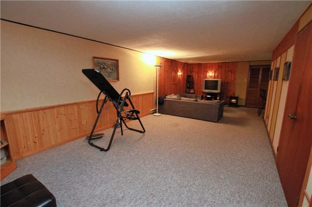 Condo Townhouse at 1250 Mississauga Valley Blvd, Unit 33, Mississauga, Ontario. Image 7