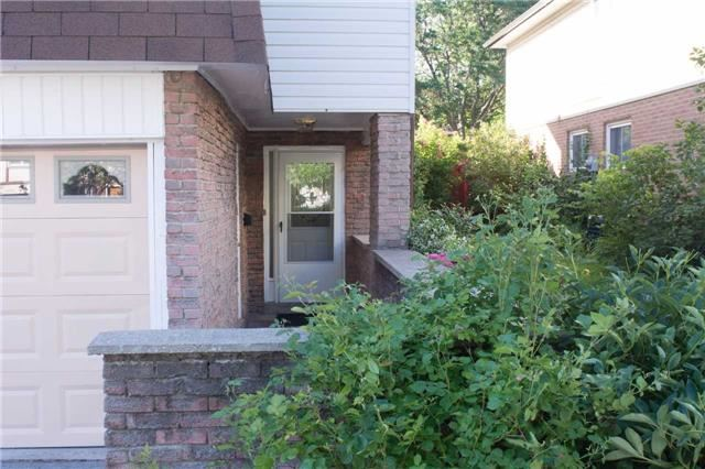 Semi-detached at 2957 Windjammer Rd, Mississauga, Ontario. Image 12