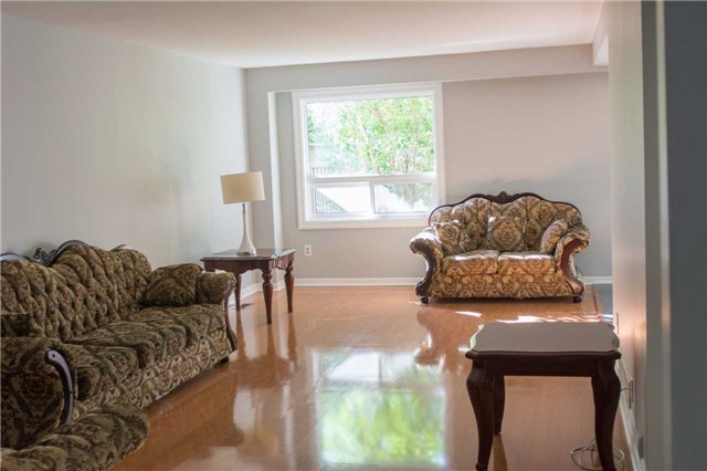 Semi-detached at 2957 Windjammer Rd, Mississauga, Ontario. Image 15