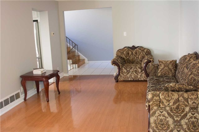 Semi-detached at 2957 Windjammer Rd, Mississauga, Ontario. Image 16