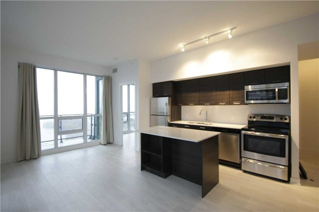 Condo Apartment at 2212 Lakeshore Blvd W, Unit 2001, Toronto, Ontario. Image 11