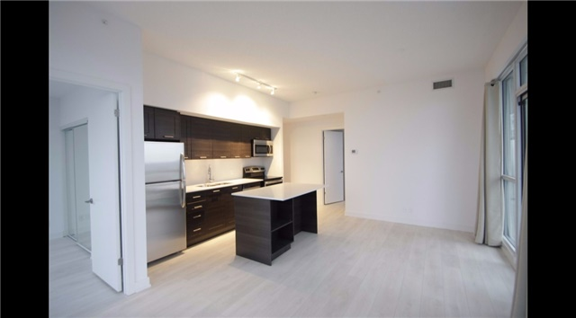 Condo Apartment at 2212 Lakeshore Blvd W, Unit 2001, Toronto, Ontario. Image 12