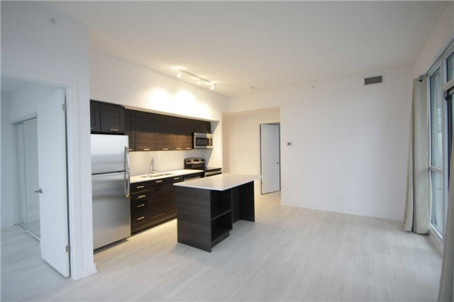 Condo Apartment at 2212 Lakeshore Blvd W, Unit 2001, Toronto, Ontario. Image 14