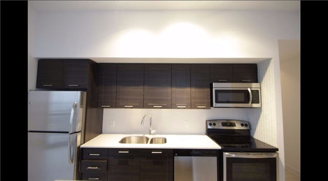 Condo Apartment at 2212 Lakeshore Blvd W, Unit 2001, Toronto, Ontario. Image 16