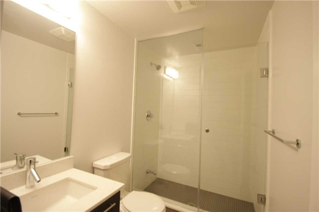 Condo Apartment at 2212 Lakeshore Blvd W, Unit 2001, Toronto, Ontario. Image 17