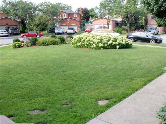 Detached at 1439 Eddie Shain Dr, Oakville, Ontario. Image 2
