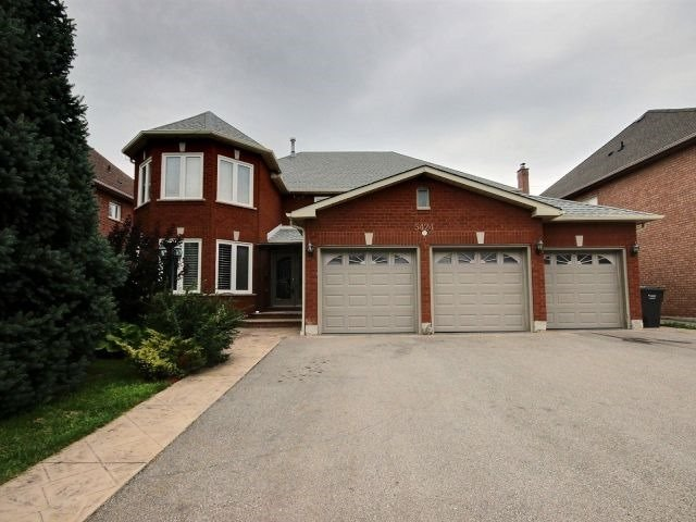 Detached at 5424 Turney Dr, Mississauga, Ontario. Image 12