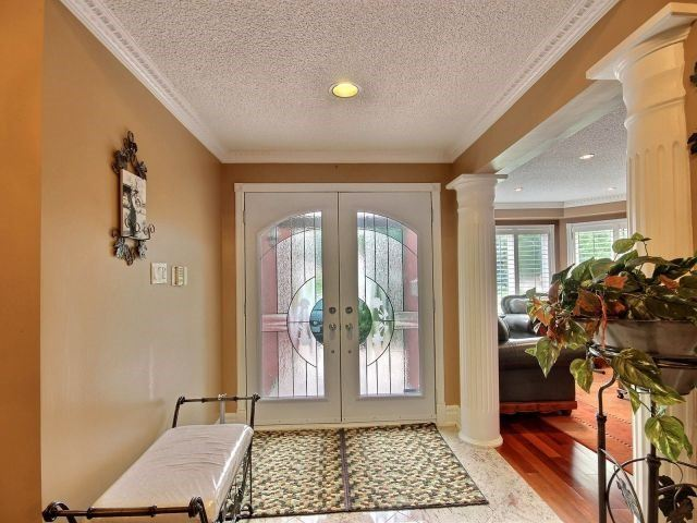 Detached at 5424 Turney Dr, Mississauga, Ontario. Image 14