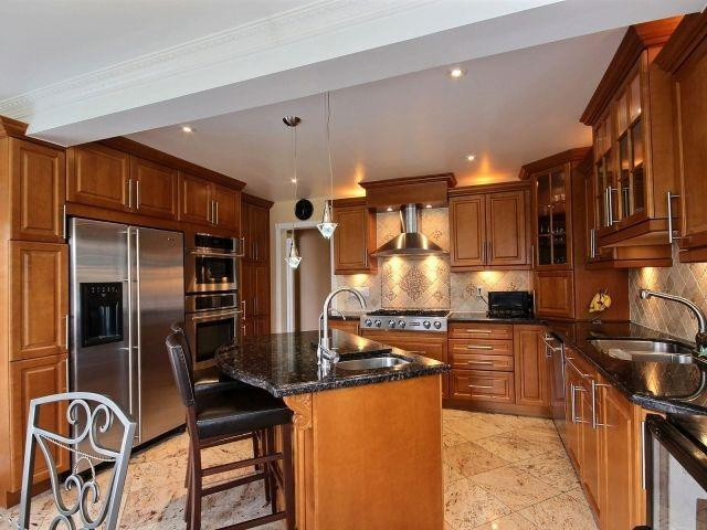 Detached at 5424 Turney Dr, Mississauga, Ontario. Image 16