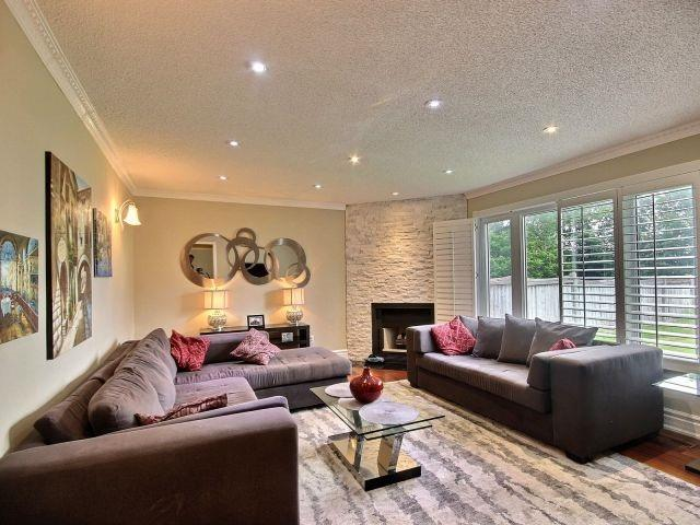 Detached at 5424 Turney Dr, Mississauga, Ontario. Image 3