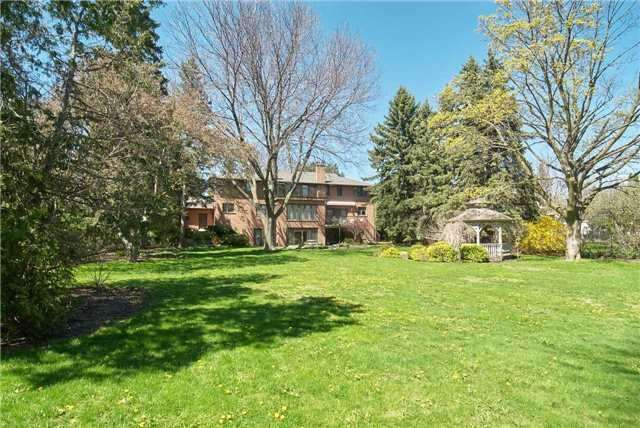 Detached at 7 Westmount Park Rd, Toronto, Ontario. Image 4