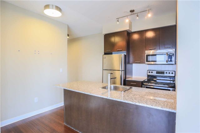 Condo Apartment at 365 Prince Of Wales Dr, Unit 1311, Mississauga, Ontario. Image 12
