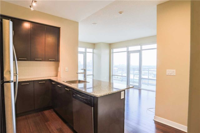 Condo Apartment at 365 Prince Of Wales Dr, Unit 1311, Mississauga, Ontario. Image 14