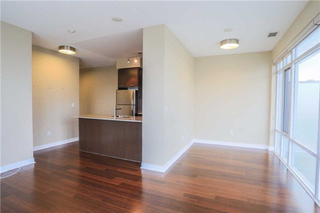 Condo Apartment at 365 Prince Of Wales Dr, Unit 1311, Mississauga, Ontario. Image 2
