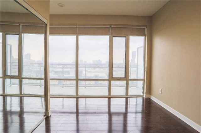Condo Apartment at 365 Prince Of Wales Dr, Unit 1311, Mississauga, Ontario. Image 5