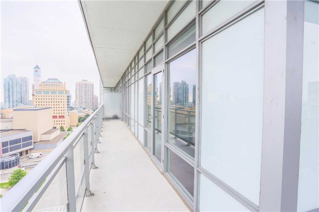 Condo Apartment at 365 Prince Of Wales Dr, Unit 1311, Mississauga, Ontario. Image 6