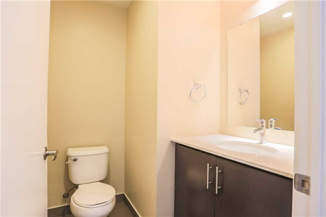 Condo Apartment at 365 Prince Of Wales Dr, Unit 1311, Mississauga, Ontario. Image 9