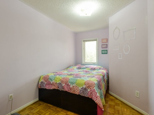 Condo Townhouse at 5255 Guildwood Way, Unit 77, Mississauga, Ontario. Image 4