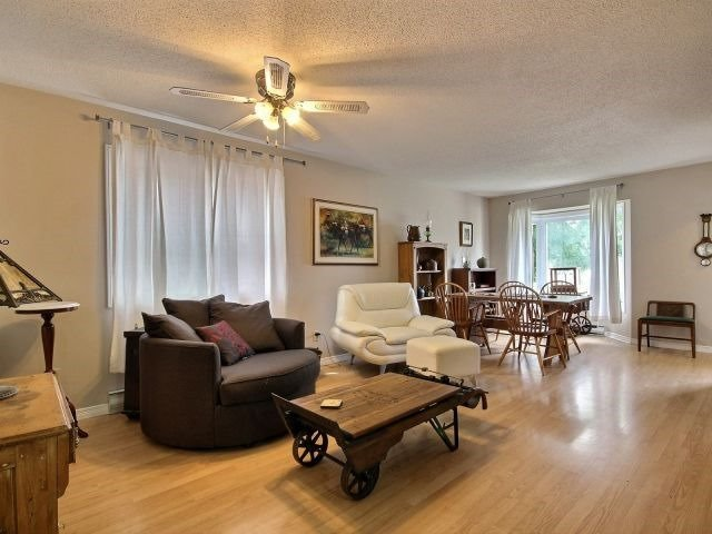 Condo Townhouse at 90 Lawrence Ave, Unit 99, Orangeville, Ontario. Image 2