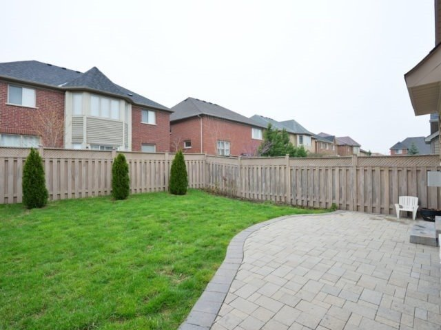 Detached at 4796 Glasshill Grve, Mississauga, Ontario. Image 11