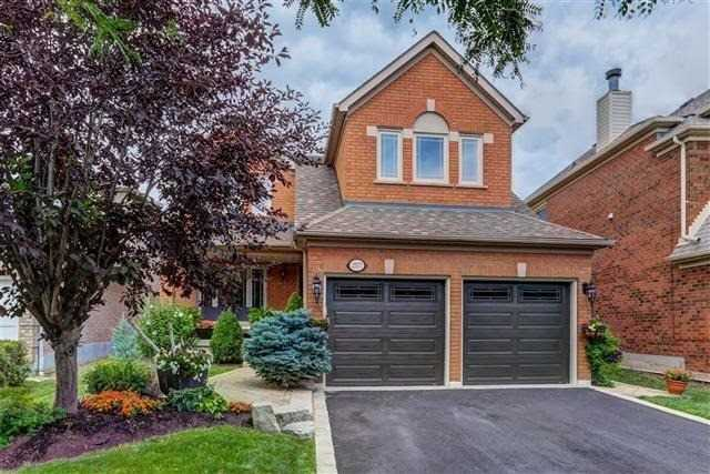 Detached at 2577 Burnford Tr, Mississauga, Ontario. Image 1