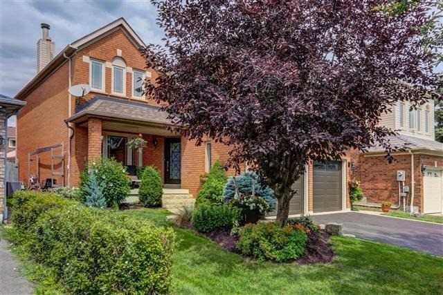 Detached at 2577 Burnford Tr, Mississauga, Ontario. Image 12