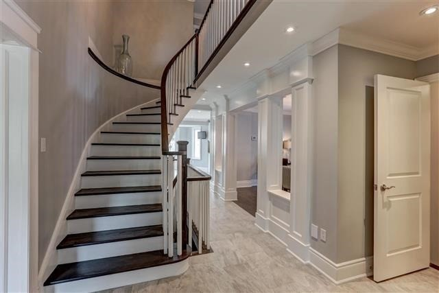 Detached at 2577 Burnford Tr, Mississauga, Ontario. Image 15