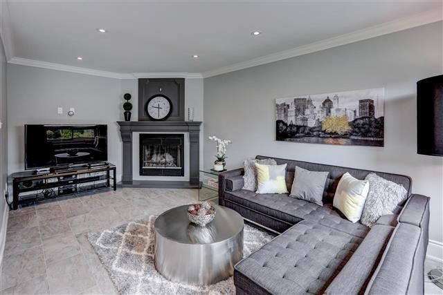 Detached at 2577 Burnford Tr, Mississauga, Ontario. Image 20